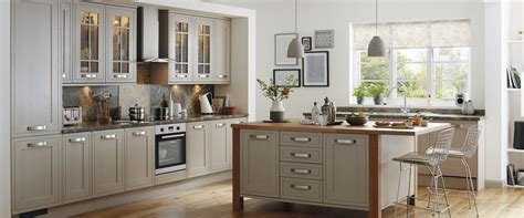 Howdens Kitchen Cabinets Tewkesbury Framed Stone Kitchen Range Kitchen Families