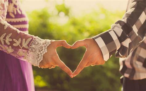 girl boy love heart hand wallpaper hd wallpapers new hd girl and boy couple making heart by hand love wallpaper