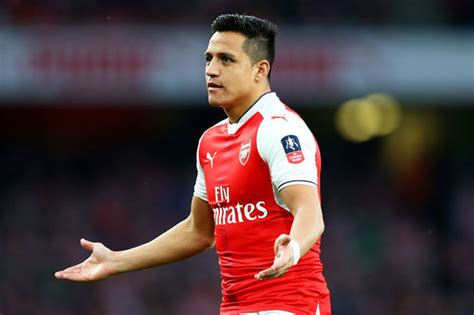 alexis sanchez daily star alexis sanchez chelsea make arsenal star their no 1