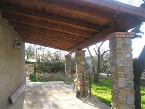 tettoia di legno tettoia per esterno in legno con portalegna l180 tettoia