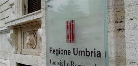 stage in banca per diplomati concorso regione umbria 94 posti per diplomati e laureati