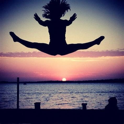 Jumps Slit split jump on