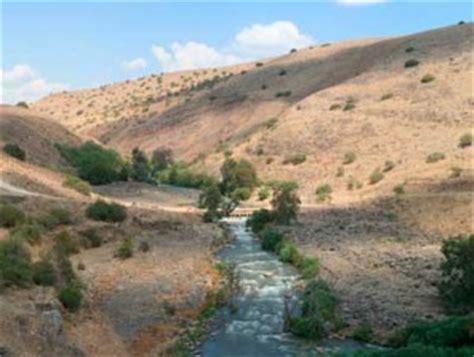 imagenes rio jordan entre el jord 225 n y el desierto laicos misioneros combonianos