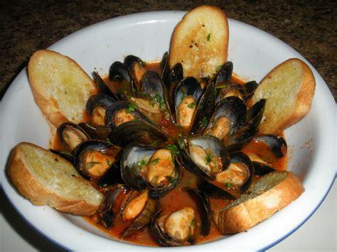 piatti tipici della cucina napoletana l aperitivo col meglio della cucina napoletana conquista roma