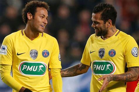 barcelona keluar neymar keluar dari barcelona karena messi berita bola