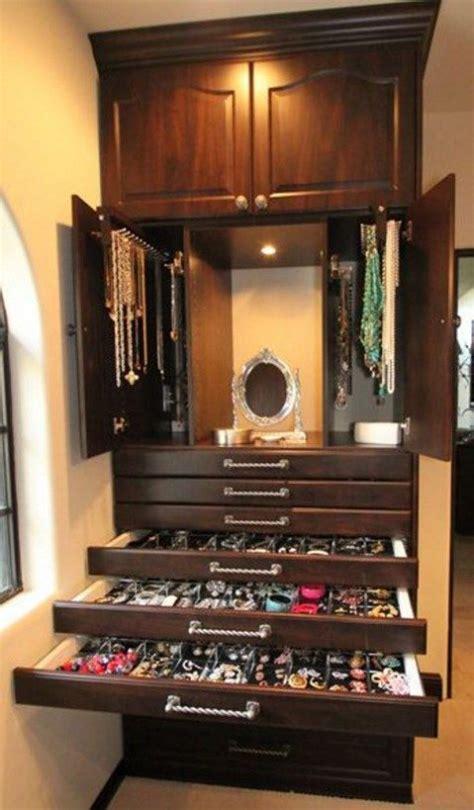 Jewelry Closet by 70 Stylish And Easy Jewelry Organization Comfydwelling