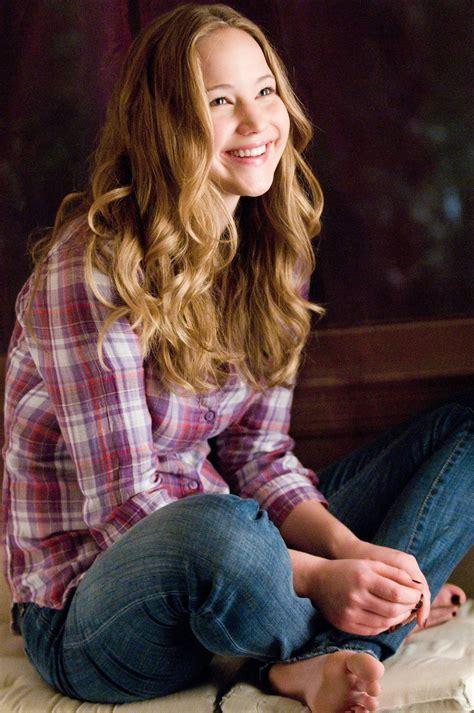 Jennifer Lawrence sole shot : CelebrityFeet