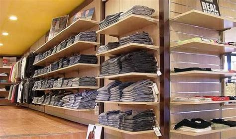 negozi arredamento pesaro effe arredamenti srl arredamenti componibili per negozi