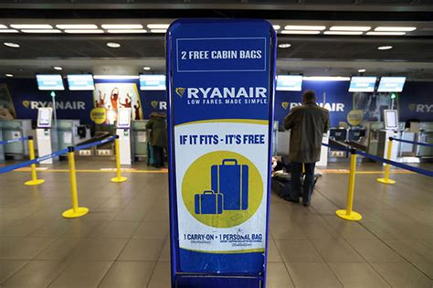 ryanair cabin baggage size ryanair warning read this if you re taking luggage