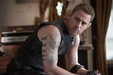 film lucy herci jupiter ascending picture 34