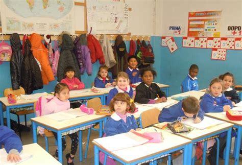 banchi scuola elementare il giro mondo dai banchi di scuola corrierefiorentino