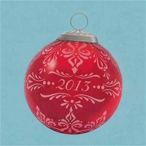 2013 christmas commemorative 1 hallmark ornament hooked