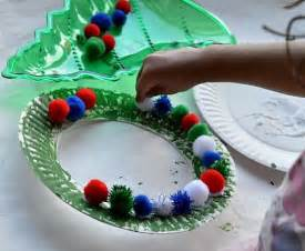 Toddler Holiday Craft Ideas - christmas crafts for kids easy christmas wreath for toddlers kids play box