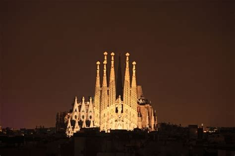 Exceptional Churches Cincinnati #4: Barcelona_la_sagrada_familia.jpg