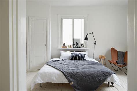 white in swedish decorar el cabecero de la cama
