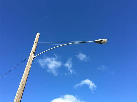light pole file 2015 01 13 12 07 43 light on a utility pole on