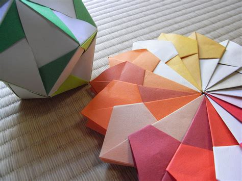 3d Origami Paper Size - file image 2d and 3d modulor origami jpg wikimedia commons
