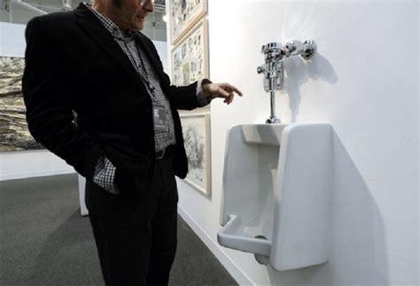 public gay bathroom le 10 cose che fai ogni giorno ma nel modo sbagliato
