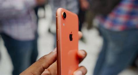 iphone xr reviews hit ahead of pre orders tonight