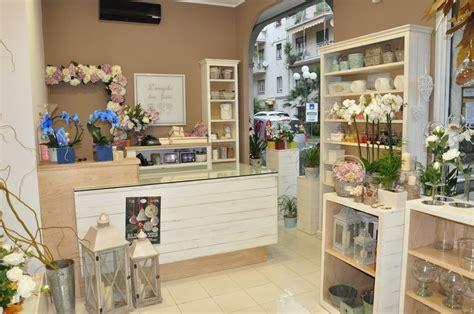 come arredare un negozio di fiori come aprire un negozio di fiori guida prodotti come