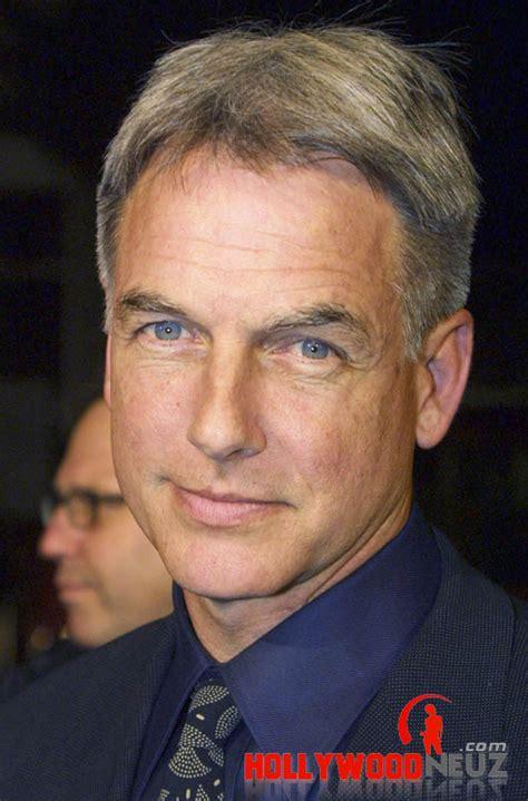 who cuts actor mark harmons hair mark harmon biography profile pictures news