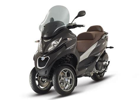 2015 piaggio mp3 500 3 wheeled scooter is here autoevolution