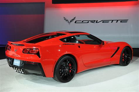 chevy corvette stingray automatic rated   mpg
