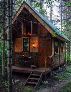 25 best ideas about small cabins on pinterest tiny