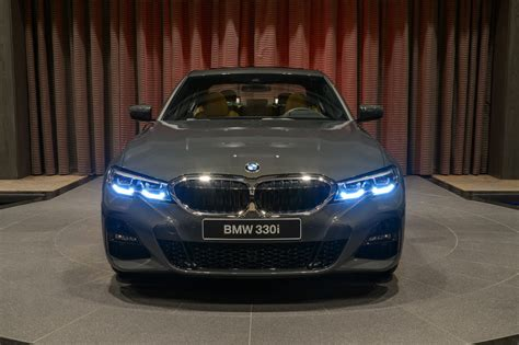 bmw  shows  dravite grey metallic   sport
