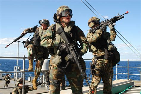 Us Navy Search File Us Navy 031025 N 4055p 006 A Visit Board Search And Seizure Vbss