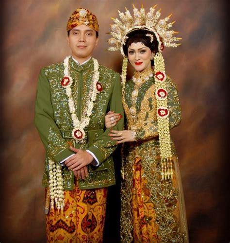 Kaos Jogja Gus Dur pakaian khas tradisional daerah dari berbagai provinsi