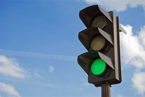 why are the lights in traffic signals always in order why does green mean go wonderopolis