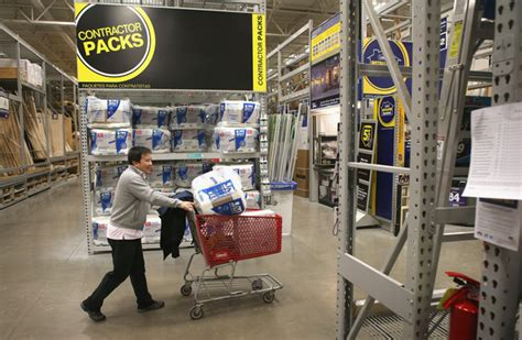 home improvement big box store lowe s expected to hire