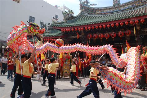 new year traditions open windows fichier 2010 10 09 南瑤宮 彰化縣中正國小舞龍隊 jpg wikip 233 dia