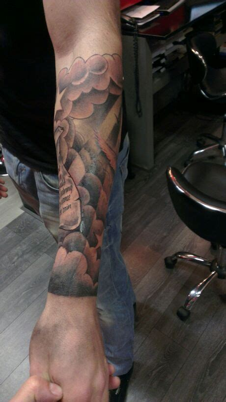 tattoo arm vleugel 301 moved permanently