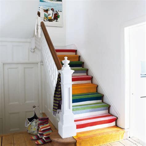 holztreppe streichen farbig und kreativ