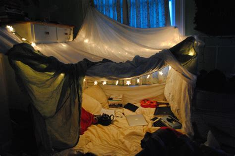 build an sized pillow blanket fort before i die