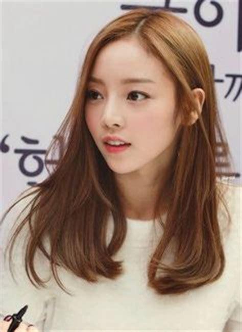 potongan rambut simple rata 70 model rambut wanita ala korea terpopuler 2018