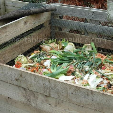 Garden Compost Making How To Compost With A Compost Pile How To Make Compost For Vegetable Garden