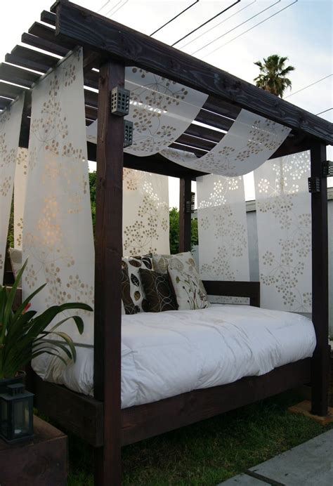 Outdoor Cabana Bed by Diy Cabana For The Backyard With An Used Futon I Would To Put This Outback By The
