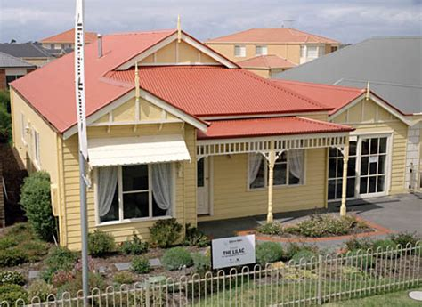Blue House Exterior Colour Schemes Highview Homes Lilac With A Roof Made From Colorbond