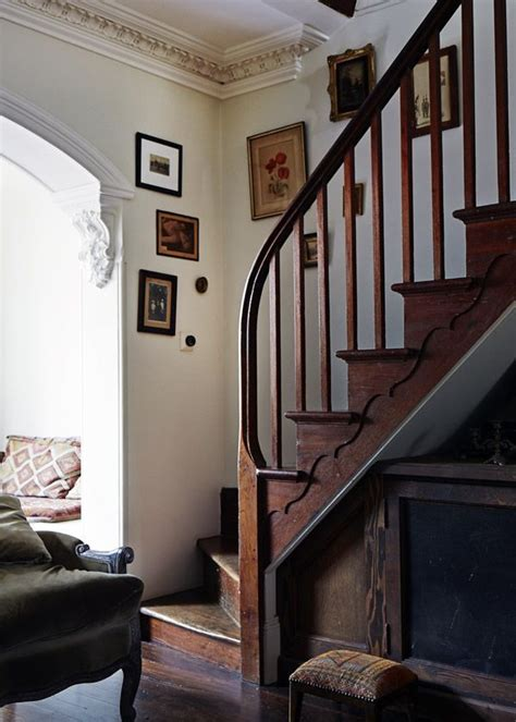 Cottage Staircase by Best 25 Cottage Stairs Ideas On Cottage