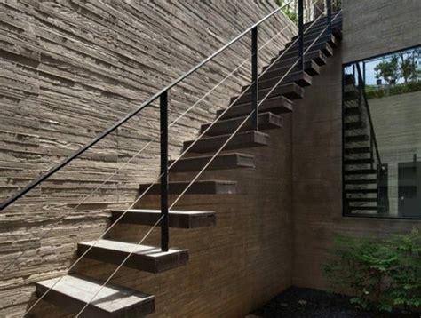 Lame Terrasse Composite 1329 planche de bois exterieur bonhommes de neige avec des