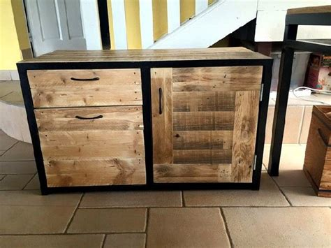 Recycled Wood Pallet TV Cabinets Designs   Pallets Designs
