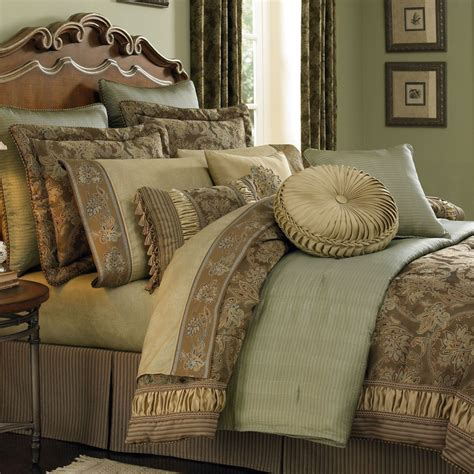 Antique Comforter Set by Pin By Maureen Glaeser On Master Bedroom