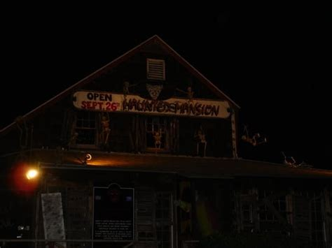 Abington Haunted House barrett s haunted mansion amusement parks abington ma