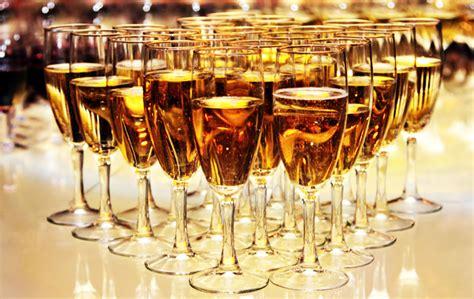 party cocktails cocktail party etiquette rules manners