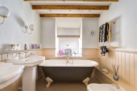 farm bathrooms farmhouse bathroom dwell beautiful