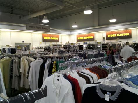 file potomac mills jcpenney outlet interior jpg wikimedia commons