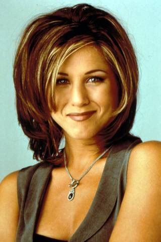 Friends Hairstyles by 20 Iconic Friends Hairstyles Phoebe Hair